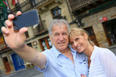 Tourists taking picture of themselves — Stock Photo