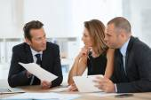 Manager with sales team meeting — Stock Photo