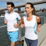 Joggers running on Brooklyn Heights Promenade — Stock Photo #58087733