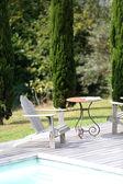 Mobília ao ar livre, piscina — Fotografia Stock