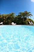 Pusty prywatny basen — Zdjęcie stockowe