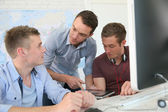 Students at training course with instructor — Foto Stock