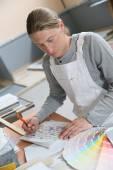 Painter preparing colour sample — Stock Photo