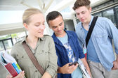 Students using smartphone — Stock Photo