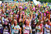 Crowds of unidentified people at The Color Run — Stock Photo