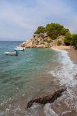 Coast of Croatia. Rocks, sea, boats and pine trees. — Stock Photo