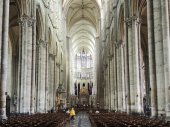 Interior of Amiens Cathedral, France — Stock Photo