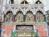 Decorated tomb in Amiens Cathedral, France — Stock Photo