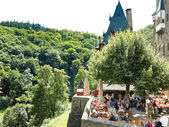 Tourists in Castle Eltz above Mosel river, Germany — Stock Photo