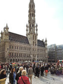 Crowds of people near Town Hall in City Brussels — Stock Photo
