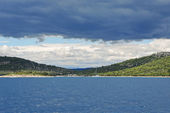 View of green lands of Dalmatia from Adriatic Sea — Stock Photo