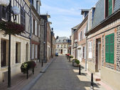 Street in Eretrat town, Normandy, France — Stock Photo