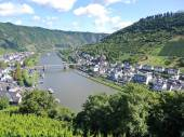 Moselle river, vineyards, Cochem town in Germany — Stock Photo