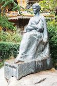 Monument of Lesya Ukrainka in Yalta city — Stock Photo