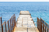 Pier - breakwater in Yalta, Crimea — Stock Photo