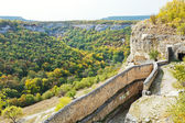 Gorge mariam-dere and wall of chufut-kale town — Stockfoto