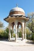 Turkish pavilion in livadiya garden, Yalta — Stock Photo