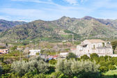 Outskirts of town Gaggi in spring day, Sicily — Stock Photo