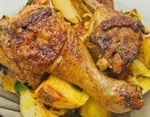 Plate with roast chicken and potatoes — Fotografia Stock