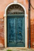 Vintage doors in Venice, Italy — Stock Photo