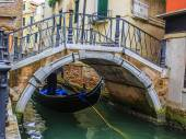 Venice, Italy - Gondolier and historic tenements  — Stock Photo
