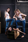 Two young women killed man — Stock Photo