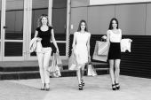Young women after shopping — Stock Photo