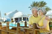 Senior couple at sea — Stock Photo