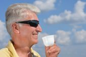 Man with cup — Stock Photo