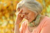 Расстроен старая женщина — Стоковое фото