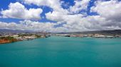 Blue Waters of Honolulu Harbor Oahu — Stock Photo