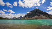Bow Lake and Crowfoot Mountain, in Banff National Park — Stock Photo