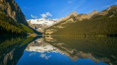 Lake Louise in Banff National Park — Stock Photo