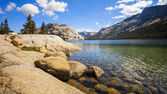 Tenaya Lake in Yosemite National Park — Stock Photo