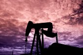 Pumpjack in the Sunset — Stock Photo