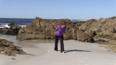 Yoga on the Beach — Stock Video