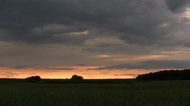 Landscape in  cloudy evening.  PAL Time lapse — Vídeo stock