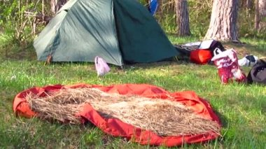 Tourist camp with tent — ストックビデオ
