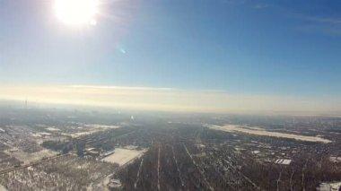 Paesaggio di aria con il sole. Vista dell'uccello — Video Stock