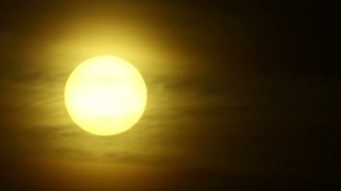 Sunrise   of yellow mystical sun with clouds.   time lapse clip — Stock Video
