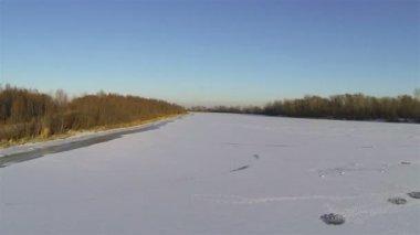 Winter landscape with  frozen river, Aerial shot — Vídeo de stock