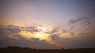 Sunset with clouds . Time lapse clip without birds,insects — Stock Video