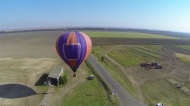 Balloon in air. Aerial view in rural areas — Stock Video