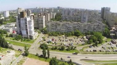 Modern city with river. Aerial view of Kiev, Ukraine — Vidéo
