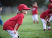Focused child ready to play ball — Stock Photo