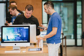 New iPhone 6 sales starts — 图库照片