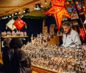 The oldest Christmas Market in Europe - Strasbourg, Alsace, Fran — Stock Photo