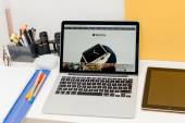 Apple launches Apple Watch, MacBook Retina and Medical Research — Stock Photo