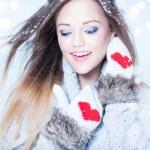 Woman wearing winter hat — Stock Photo #57276735