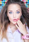Attractive surprised young woman — Stock Photo
